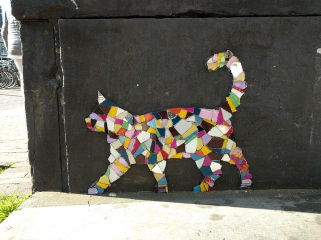 Mosaic cat in Amsterdam, artist unknown